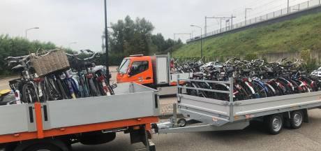Tientallen weesfietsen opgeruimd bij station Zaltbommel