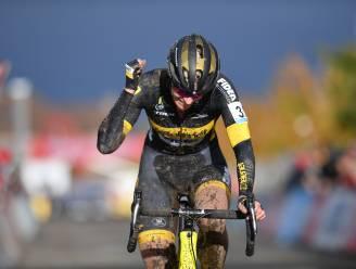 """IJzersterke Ellen Van Loy triomfeert bij de vrouwen in Gavere: """"Zege om nooit te vergeten"""""""