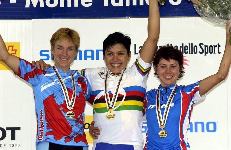 Sabine Spitz (midden).