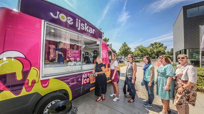 Joe FM trakteert OCMW met ijsjes