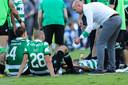 Sporting-trainer Marcel Keizer (r) pept Bas Dost op voor de verlenging.