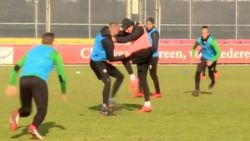 FT buitenland: Feyenoord-spelers gaan op de vuist op training - Real klopt nu wel Leganes - Firmino vrijgesproken van racisme