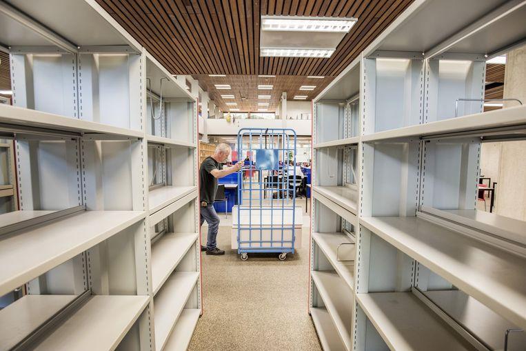De bibliotheek van de Erasmusuniversiteit wordt verbouwd. Beeld Raymond Rutting / de Volkskrant
