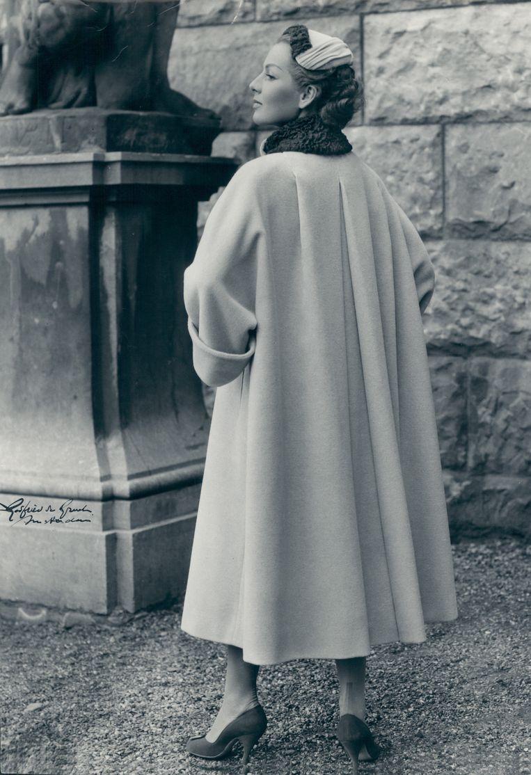 Modefoto van de oma van Tom Fasschaert. Beeld