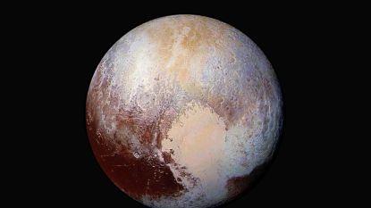Duinen van bevroren methaan op Pluto ontdekt