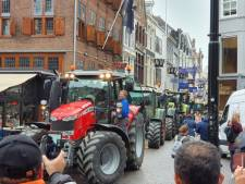 LIVE | Haags centrum platgelegd en Utrechtsebaan wordt gebruikt als parkeerplaats