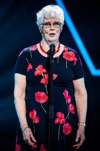 """80-jarige Doortje maakt haar jeugddroom waar in 'The Voice Senior': """"Zo jammer dat ik dit niet meer kan delen met mijn man"""""""