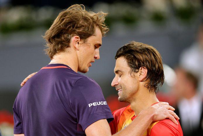 Alexander Zverev (l) en David Ferrer vorig jaar bij het ATP-toernooi in Madrid.