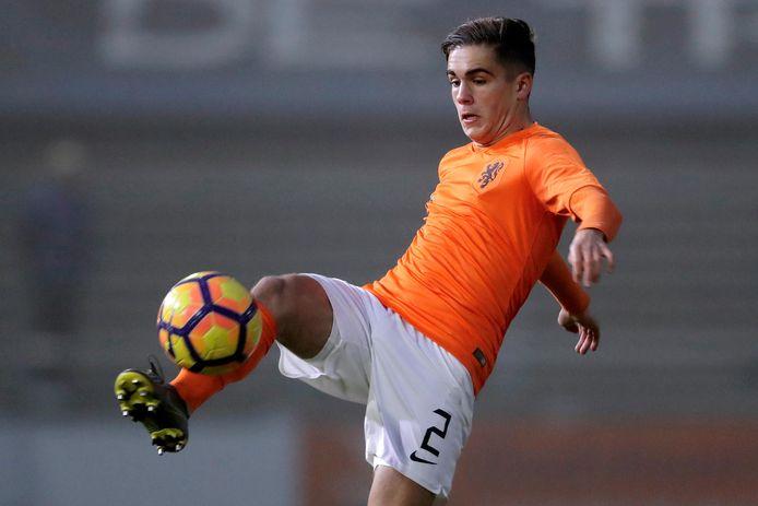 NEC-verdediger Bart van Rooij maakte dit seizoen zijn debuut in de hoofdmacht van NEC en is vaste waarde in Oranje Onder 18.