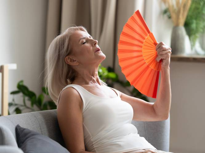 """Zijn hormonen de oplossing voor menopauzale problemen? Topdokter Guy T'Sjoen: """"Vapeurs, slecht slapen en pijn tijdens het vrijen? Het kan echt anders"""""""