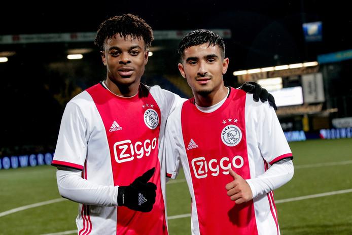 De jonge debutanten bij Jong Ajax: Sontje Hansen (17) en Naci Ünüvar (16).