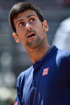 Djokovic schakelt hulp Agassi in voor Roland Garros