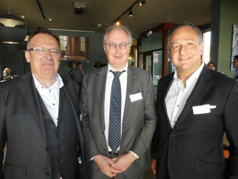 De Belgische bouwers van Besix Red: Marc Crohain, Jean Polet en Gabriel Uzgen. Polet: 'Een nieuwe landmark van Amsterdam.' Beeld Hans van der Beek
