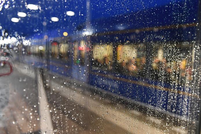 Een trein van Arriva op de Maaslijn.