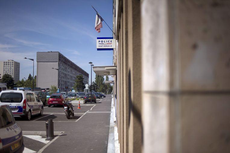 Deze bestandsfoto gemaakt op 4 juli 2011 toont een zicht op het politiebureau in Champigny-sur-Marne, ten oosten van Parijs.  Beeld AFP