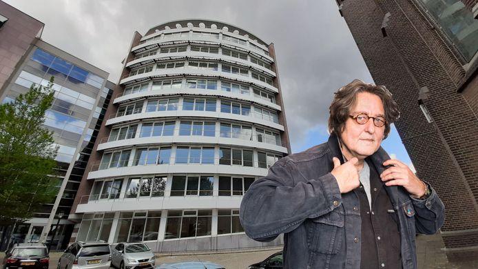 Columnist Kees Thies vindt dat er een visie op hoogbouw moet komen.