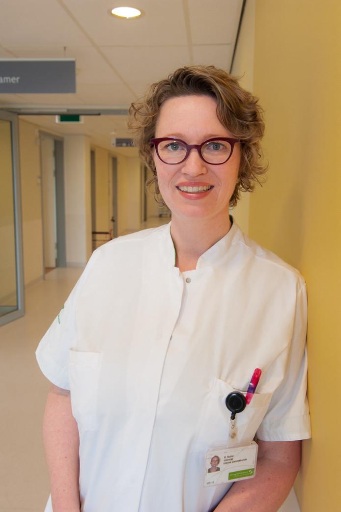 Rikje Ruiter, internist ouderengeneeskunde in het Groene Hart Ziekenhuis.