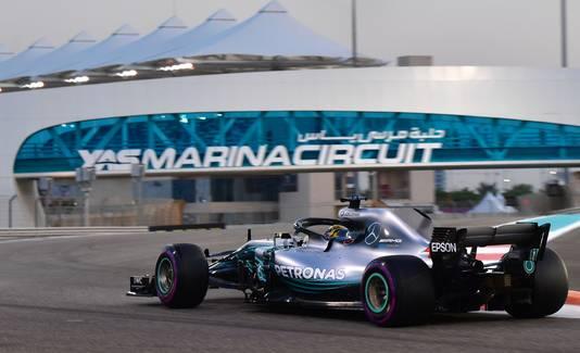 Lewis Hamilton was razendsnel op het Yas Marina Circuit.