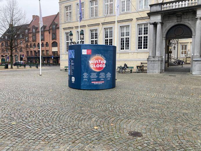 Zowel op de Markt, als op de Burg (foto) vind je meer info over het parcours van Wintergloed. Dat kan je zelfstandig afleggen.