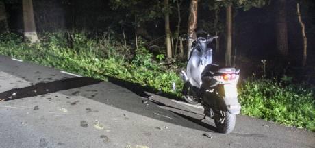 Scooterrijder botst bij Warnsveld op stilstaande scooter: twee gewonden