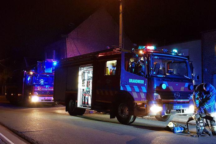 De brandweer werd opgeroepen voor oververhitte pelletkachel in de Steenstraat in Lede.