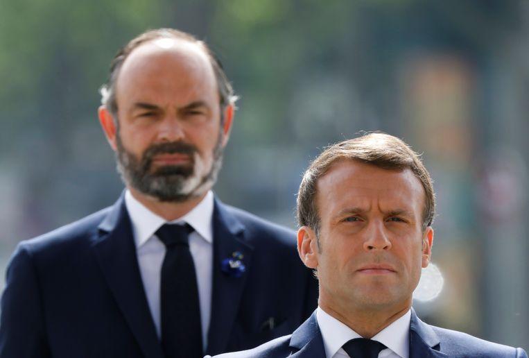 President Emmanuel Macron en ex-premier Edouard Philippe, die het ontslag van zijn regering indiende. Tijdens de coronacrisis overschaduwde premier Philippe zijn president en dat moest hij bekopen.