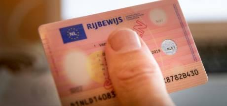 Man verliest rijbewijs na 'kamikazerit' op A73