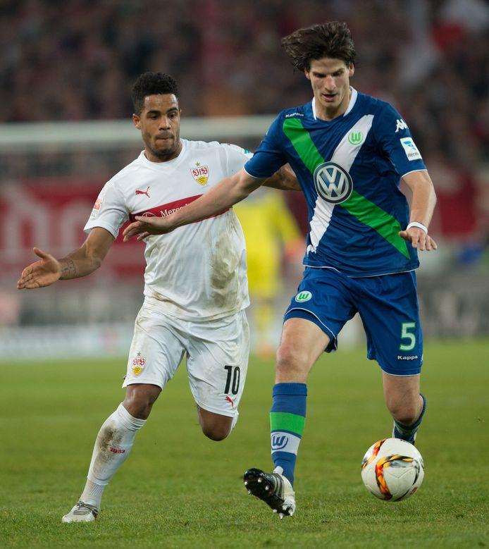 Timm Klose (rechts) in 2016 als speler van VfL Wolfsburg.