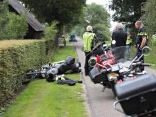 Motorrijder onderuit in Den Ham en mee naar het ziekenhuis