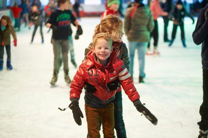 Jeugd geniet van Uden on Ice.