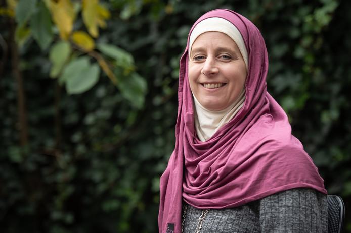 Rabia Frank heeft een boek geschreven middels spraakherkenning.