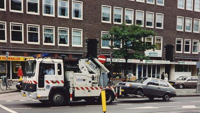 Van der Laan: 'De kosten zitten niet alleen in het wegslepen, maar ook in opslag, administratie en vervoer.' Beeld anp