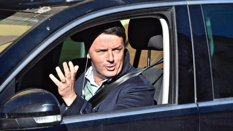 Matteo Renzi versoepelde de ontslagwet, om sjoemelende werknemers te kunnen lozen. Beeld epa