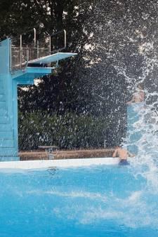 Vechtpartij bij zwembad Eibergen: jongen vol in gezicht getrapt