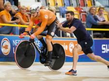 Hoogland herstelt zich op sprint van foutje en boekt ook plek in halve finales