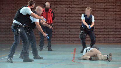 Politie traint tegen aanslag op school