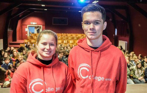 Leerlingen Lara Borremans en Sander Mathijs leidden alles in goede banen.