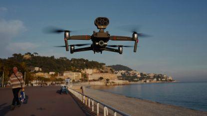 Drone maant mensen aan binnen te blijven