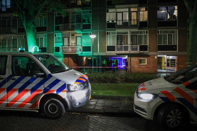 De politie onderzoekt de situatie aan de Hietkamp.