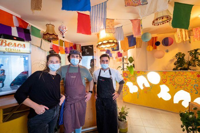 PUURS Carlijn De Bruïne, Mats Stevens en Marco Ventrella openen take-away Bao Bao in de Hoogstraat