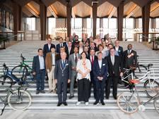 Arnhem inspireert buitenlandse burgemeesters om te fietsen