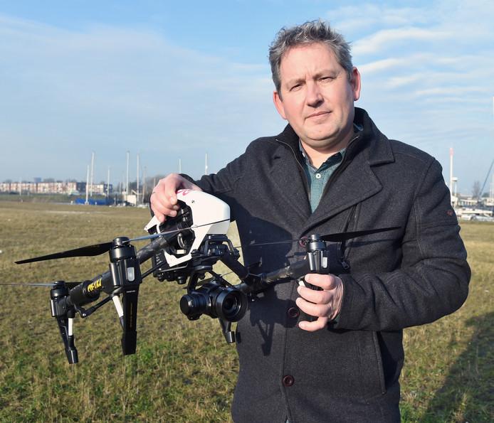 Jan-Willem Jansen van Zuidwest10, het Middelburgse bedrijf dat met drones luchtfoto's maakt