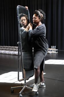 Alida Dors van Theater Rotterdam was een zwart meisje uit de Bijlmer: 'Dat wordt een tienermoeder, dachten ze'