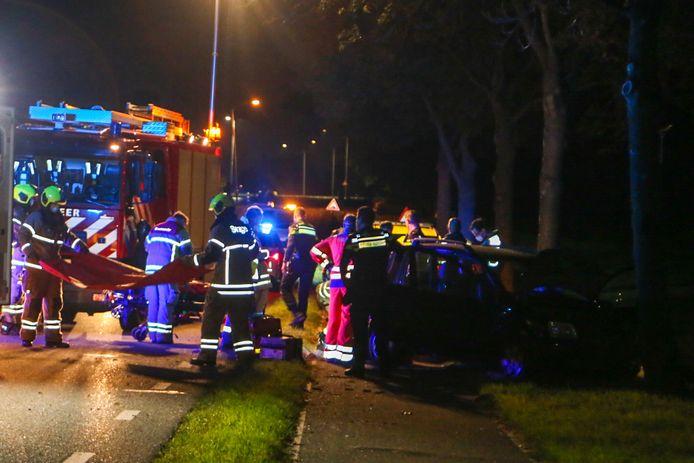 Aan de Veerweg in Papendrecht is vrijdagavond een ernstig ongeluk gebeurd.