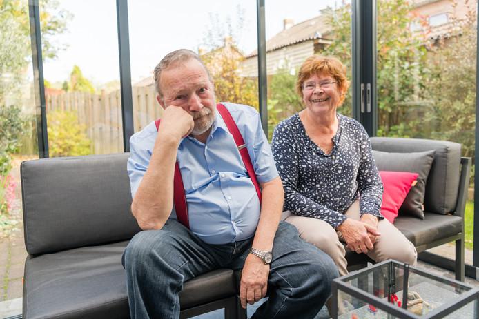 Hanneke en Peter Oudenhoven - Haast (74 en 75) dreigen door de Woningbouwvereniging uit huis gezet te worden.