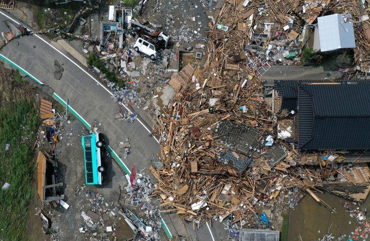 Schade na overstromingen in Kumamura, Japan, 8 juli 2020. Beeld REUTERS