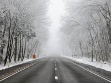 La neige occasionne des embarras de circulation dans l'est du pays, la phase de vigilance renforcée activée