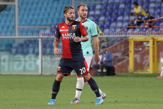 Lasse Schöne vorige week naast zijn landgenoot en oud-teamgenoot Christian Eriksen tijdens Genoa - Internazionale (0-3).