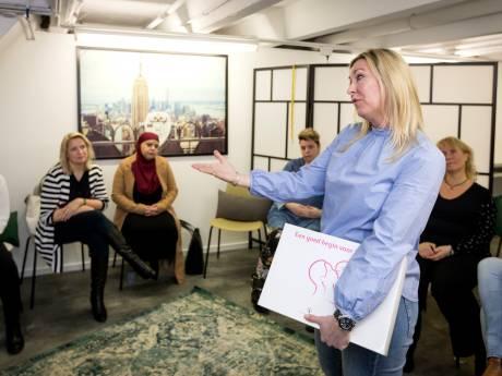 Groepsessie voor zwangere vrouwen in Schiedam: 'Ze kunnen écht van elkaar leren'
