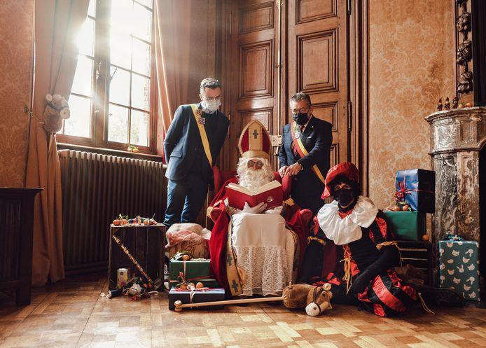 Sinterklaas kwam al even langs in het Brugse stadhuis.